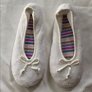NWOT Isotoner Terrycloth Ballet Style Slippers